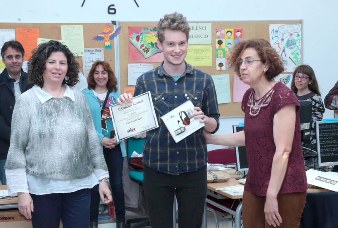 "Roycan has sponsored the 2nd ""IES El Cabanyal"" Literary contest in Valencia."