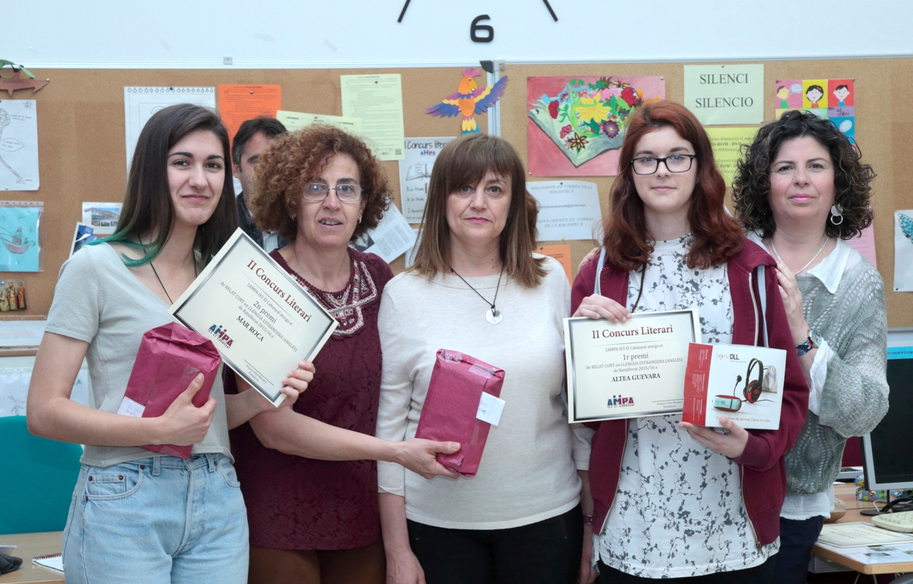 "<strong>Roycan</strong> has sponsored the 2nd ""<strong>IES El Cabanyal</strong>"" Literary contest in Valencia."